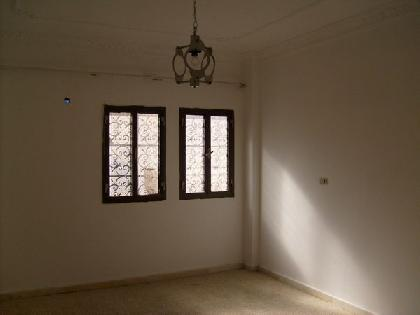 Rent Chalet - 8 Rooms - Tripoli - 350 meter - 5000 Libyan dinar month
