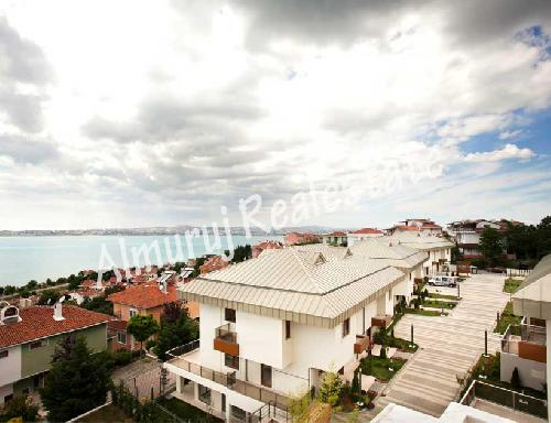 Sell Chalet - 4 Rooms - in Kumkapi District - Istanbul - 300 meter - 350000 United States dollar