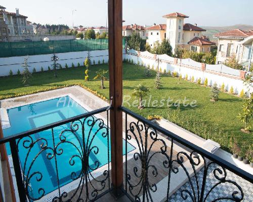Sell Apartment - in Kumkapi District - Istanbul - 2000 meter - 700000 United States dollar